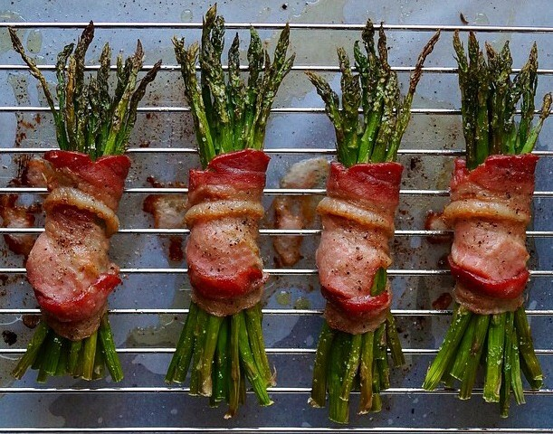 Bacon-Wrapped Asparagus by Cook At Home Mom