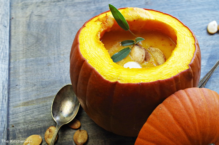 Roasted Garlic and Sage Pumpkin Soup