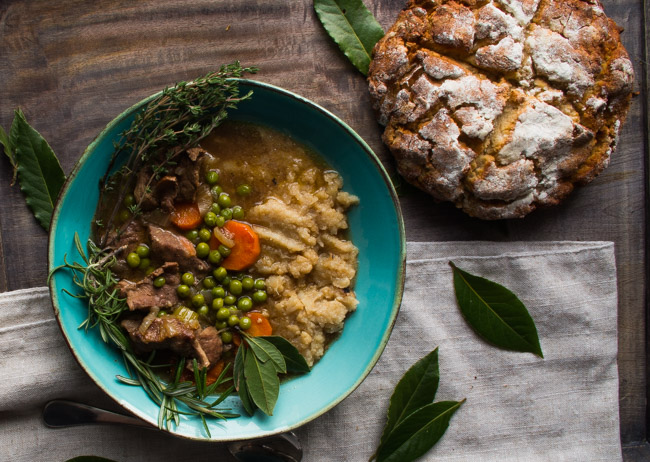Irish Lamb Stew- an authentich Irish recipe that is gluten free and Whole30 friendly! |thekitcheneer.com