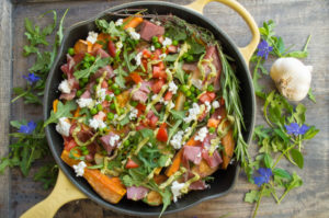 Loaded Irish Nachos- an Irish recipe that's paleo friendly and the perfect appetizer to serve for St. Patrick's Day! Loaded with all the traditional Irish flavors!|thekitcheneer.com