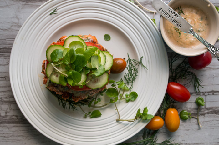Whole30 Blackened Salmon Burger with a Summer Tomato Dill Spread|thekitcheneer.com